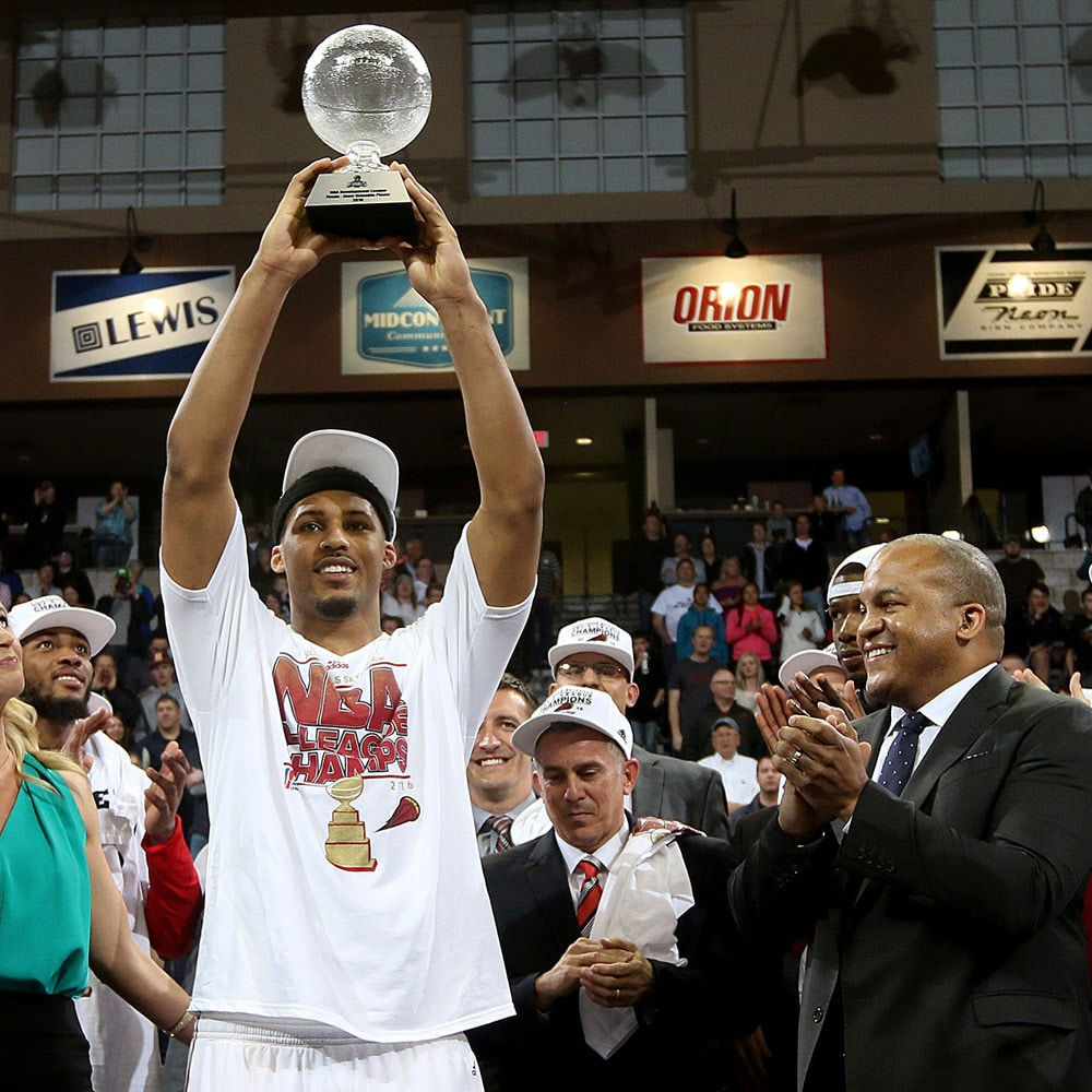 SIOUX FALLS, SD - APRIL 27: Jarnell Stokes #21of the Sioux Falls Skyforce hoists the MVP trophy following their 91-63 win over the Los Angeles Defenders in the NBA D-League Finals Game 3 at the Sanford Pentagon April 26, 2016 in Sioux Falls, South Dakota. NOTE TO USER: User expressly acknowledges and agrees that, by downloading and/or using this Photograph, user is consenting to the terms and conditions of the Getty Images License Agreement. Mandatory Copyright Notice: Copyright 2016 NBAE (Photo by Dave Eggen/NBAE via Getty Images)