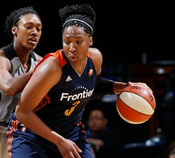 SAN ANTONIO, TX - MAY 19:  Kelsey Bone #3 of the Connecticut Sun handles the ball against the San Antonio Stars on May 19, 2016 at AT&T Center in San Antonio, Texas. NOTE TO USER: User expressly acknowledges and agrees that, by downloading and or using this Photograph, user is consenting to the terms and conditions of the Getty Images License Agreement. Mandatory Copyright Notice: Copyright 2016 NBAE (Photo by Chris Covatta/NBAE via Getty Images)