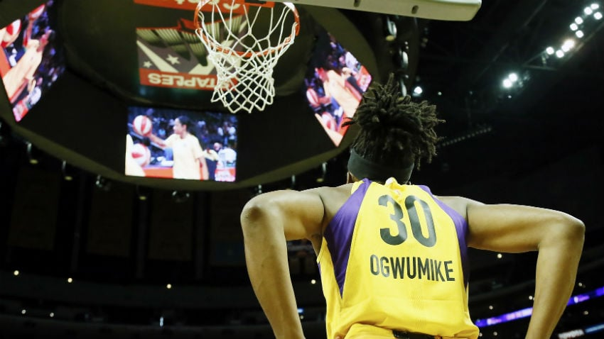 Los Angeles' Nneka Ogwumike Wins 2019 Kim Perrot Sportsmanship Award - WNBA.com - Official Site of the WNBA