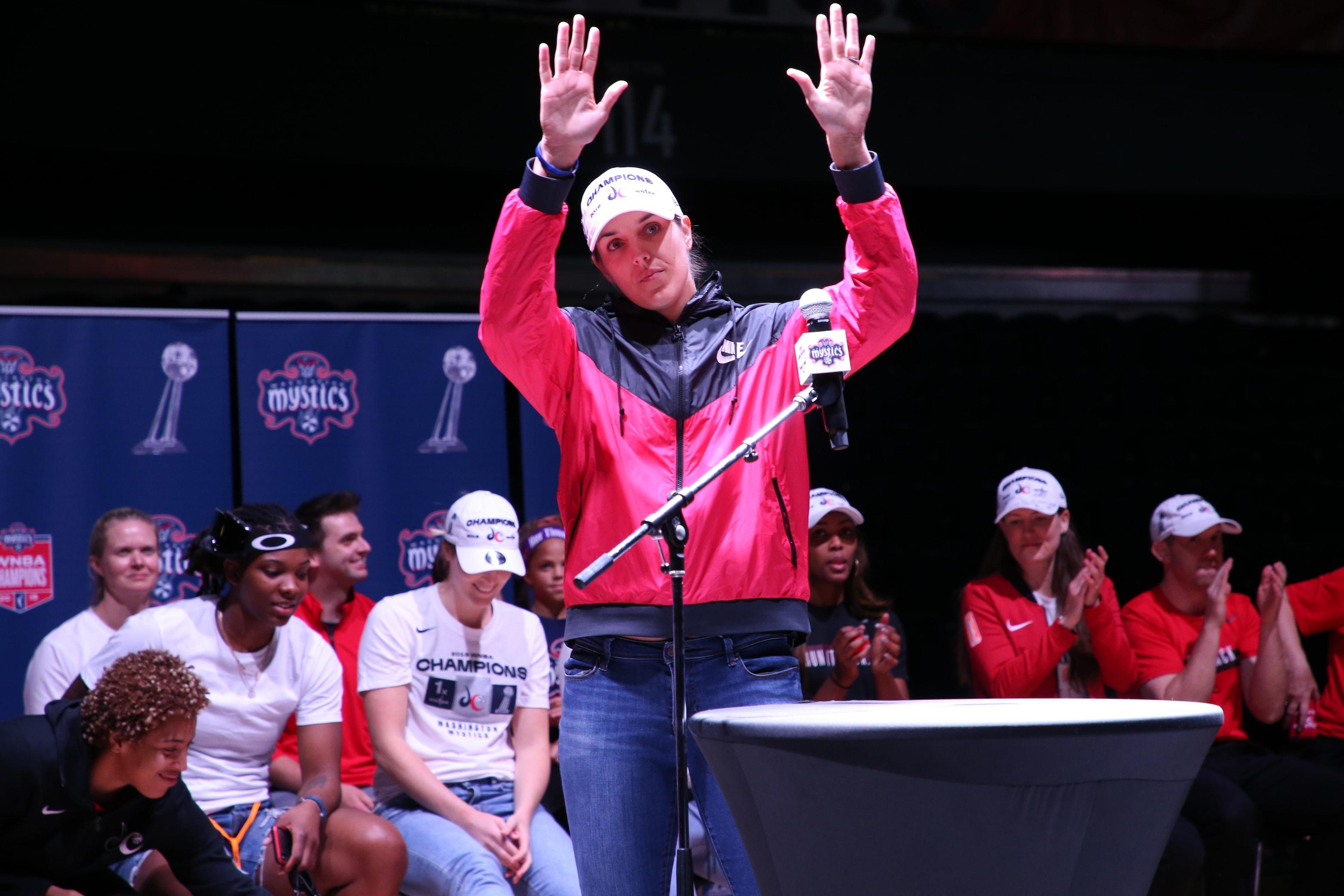Elena Delle Donne thanks Mystics' fans at the Mystics' rally.