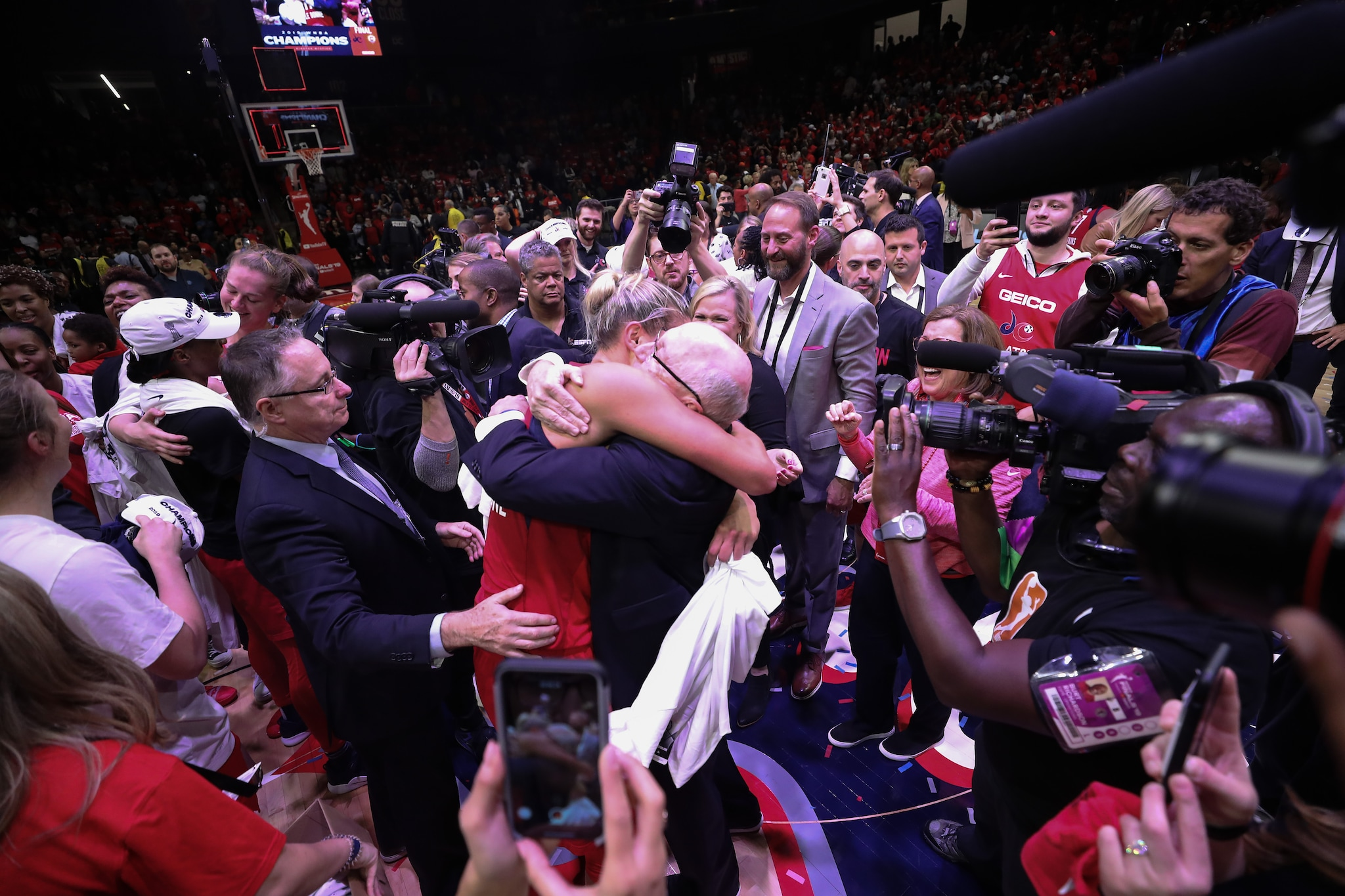 Elena Delle Donne and Mike Thibault celebrate their first-ever WNBA Championship.