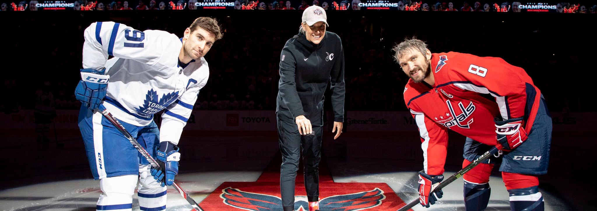 Elena Delle Donne drops puck at Capitals game