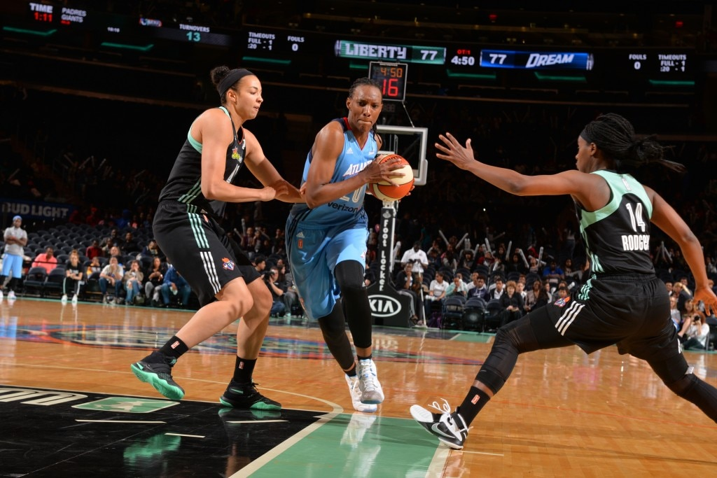 NEW YORK, NY - MAY 24: Sancho Lyttle #20 of the Atlanta Dream handles the ball New York Liberty on May 24, 2016 at Madison Square Garden in New York City, New York. NOTE TO USER: User expressly acknowledges and agrees that, by downloading and or using this photograph, User is consenting to the terms and conditions of the Getty Images License Agreement. Mandatory Copyright Notice: Copyright 2016 NBAE (Photo by Jesse D. Garrabrant/NBAE via Getty Images)