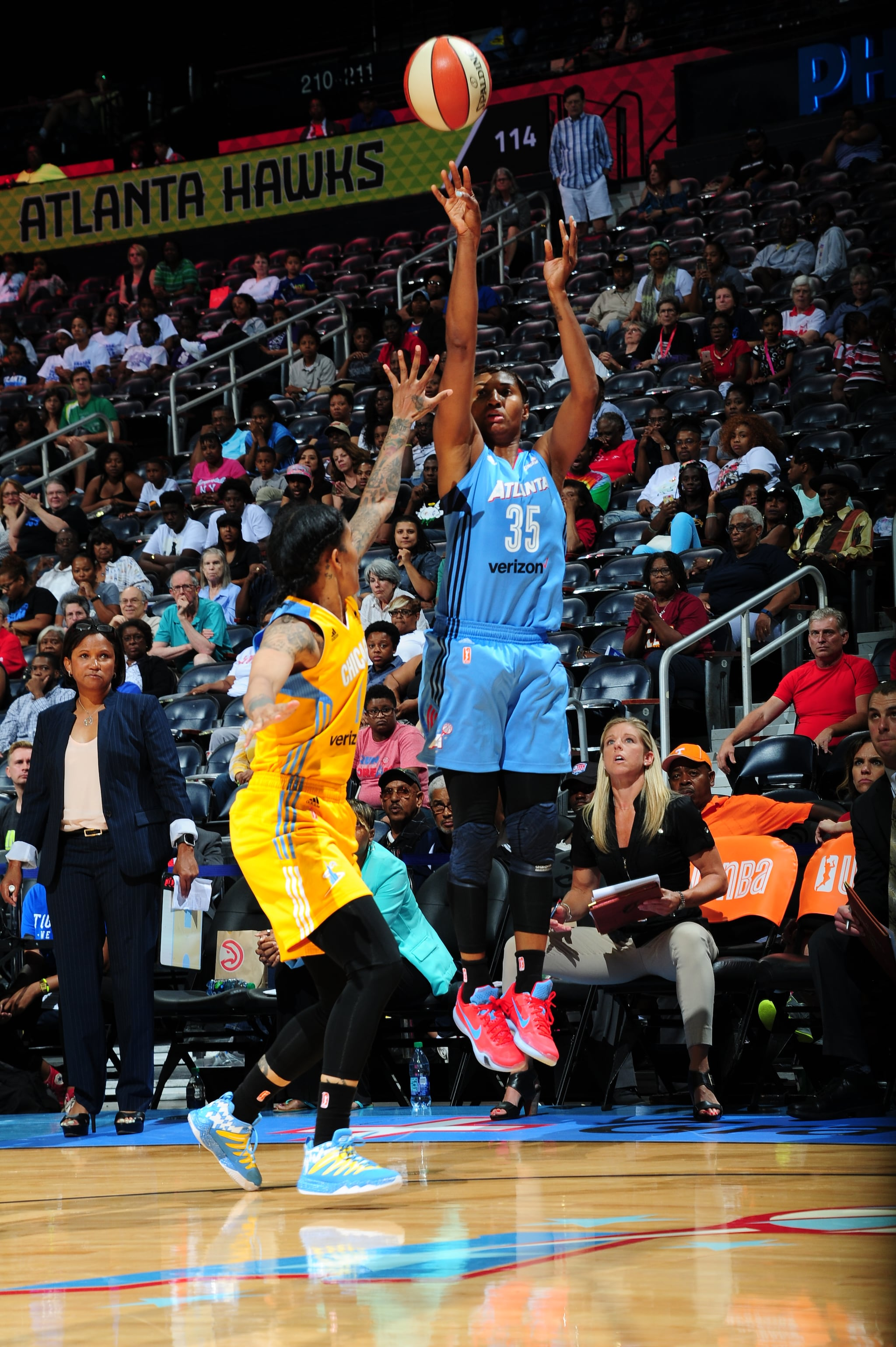 ATLANTA, GA - JUNE 17: Angel McCoughtry #35 of the Atlanta Dream shoots against the Chicago Sky on June 17, 2016 at Philips Arena in Atlanta, Georgia. NOTE TO USER: User expressly acknowledges and agrees that, by downloading and/or using this Photograph, user is consenting to the terms and conditions of the Getty Images License Agreement. Mandatory Copyright Notice: Copyright 2016 NBAE (Photo by Scott Cunningham/NBAE via Getty Images)