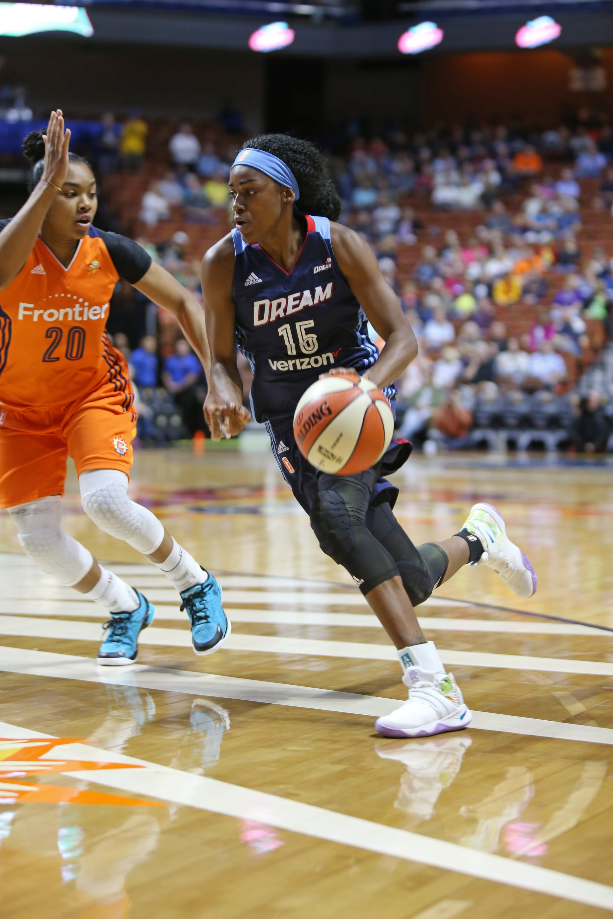 UNCASVILLE, CT - JUNE 3: Tiffany Hayes #15 of the Atlanta Dream drives to the basket against the Connecticut Sun on June 3, 2016 at Mohegan Sun Arena in Uncasville, CT. NOTE TO USER: User expressly acknowledges and agrees that, by downloading and or using this Photograph, user is consenting to the terms and conditions of the Getty Images License Agreement. Mandatory Copyright Notice: Copyright 2016 NBAE (Photo by Chris Marion/NBAE via Getty Images)