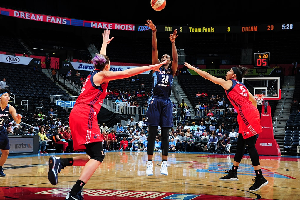 ATLANTA, GA - JUNE 5: Sancho Lyttle #20 of the Atlanta Dream shoots the ball against the Washington Mystics on June 5, 2016 at Philips Arena in Atlanta, Georgia.  NOTE TO USER: User expressly acknowledges and agrees that, by downloading and/or using this Photograph, user is consenting to the terms and conditions of the Getty Images License Agreement. Mandatory Copyright Notice: Copyright 2016 NBAE (Photo by Scott Cunningham/NBAE via Getty Images)