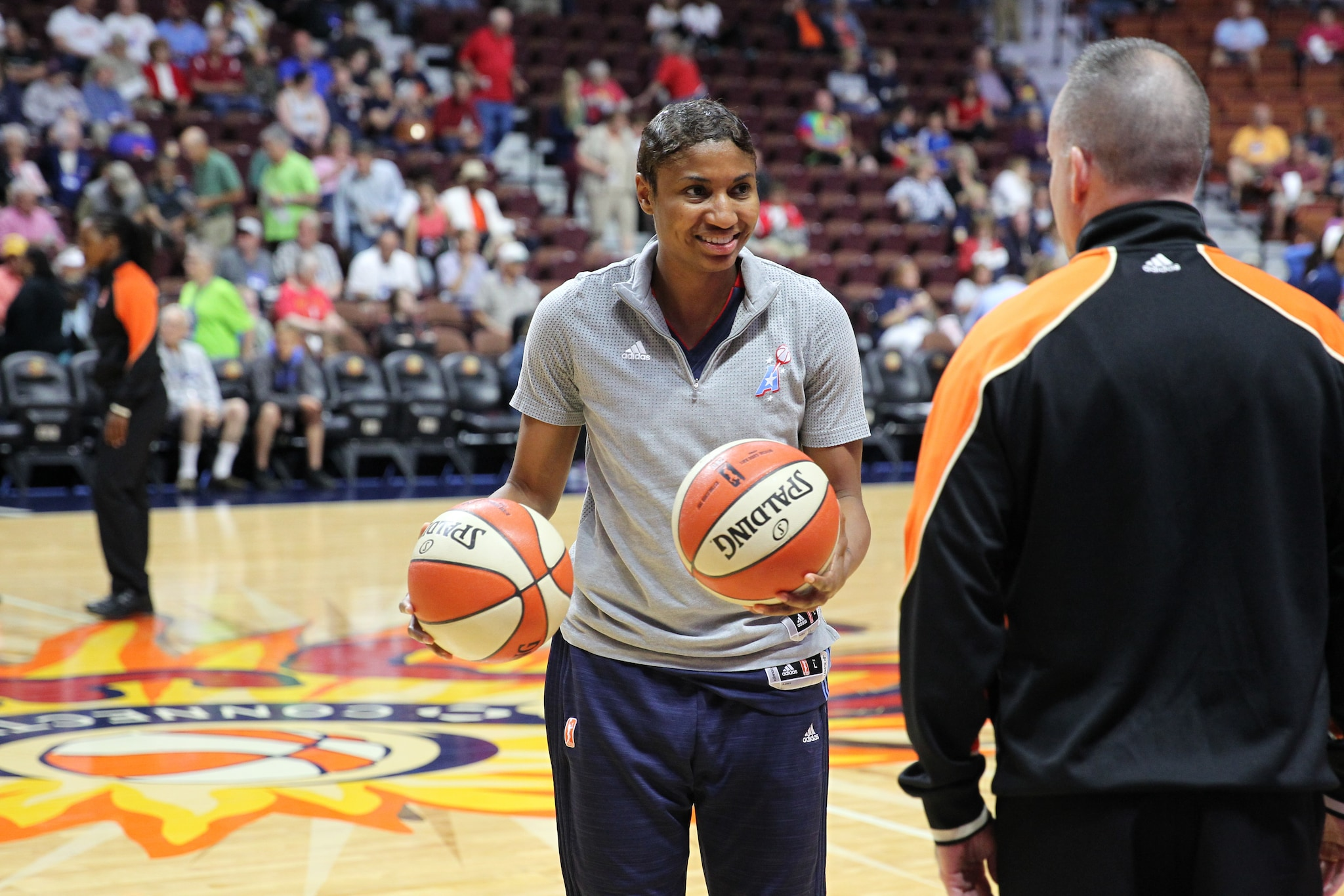 UNCASVILLE, CT - JUNE 3: Angel McCoughtry #35 of the Atlanta Dream warms up before the game against the Connecticut Sun on June 3, 2016 at Mohegan Sun Arena in Uncasville, CT. NOTE TO USER: User expressly acknowledges and agrees that, by downloading and or using this Photograph, user is consenting to the terms and conditions of the Getty Images License Agreement. Mandatory Copyright Notice: Copyright 2016 NBAE (Photo by Chris Marion/NBAE via Getty Images)