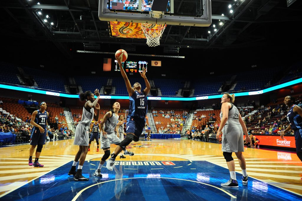 UNCASVILLE, CT - MAY 4: Tiffany Hayes #15 of the Atlanta Dream shoots the ball against the San Antonio Stars in a WNBA preseason game on May 4, 2016 at the Mohegan Sun Arena in Uncasville, Connecticut. NOTE TO USER: User expressly acknowledges and agrees that, by downloading and/or using this Photograph, user is consenting to the terms and conditions of the Getty Images License Agreement. Mandatory Copyright Notice: Copyright 2016 NBAE (Photo by Brian Babineau/NBAE via Getty Images)