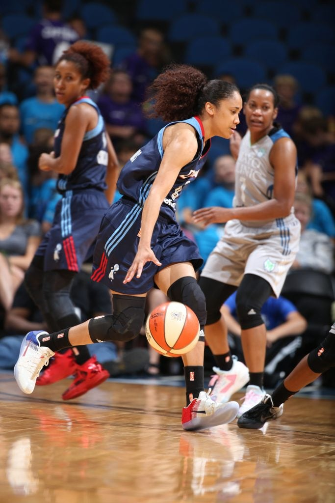 MINNEAPOLIS, MN - JULY 20: Meighan Simmons #0 of the Atlanta Dream moves the ball against the Minnesota Lynx on July 20, 2016 at Target Center in Minneapolis, Minnesota. NOTE TO USER: User expressly acknowledges and agrees that, by downloading and or using this Photograph, user is consenting to the terms and conditions of the Getty Images License Agreement. Mandatory Copyright Notice: Copyright 2016 NBAE (Photo by David Sherman/NBAE via Getty Images)