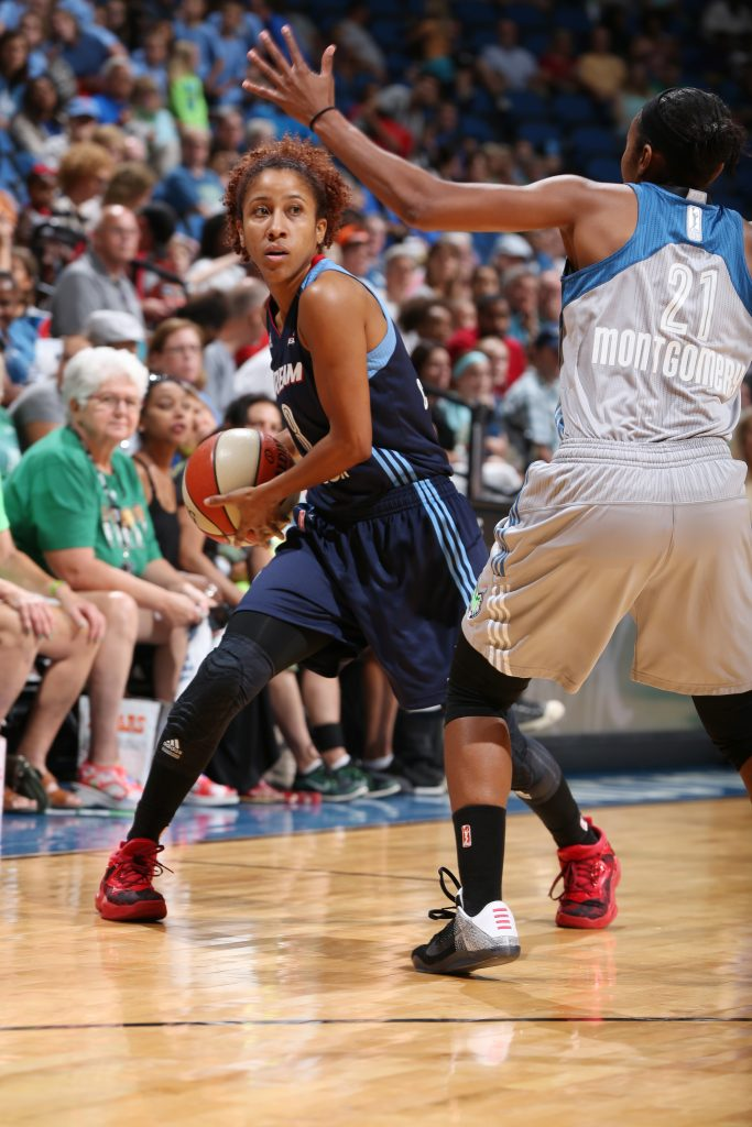 MINNEAPOLIS, MN - JULY 20: Carla Cortijo #8 of the Atlanta Dream handles the ball against the Minnesota Lynx on July 20, 2016 at Target Center in Minneapolis, Minnesota. NOTE TO USER: User expressly acknowledges and agrees that, by downloading and or using this Photograph, user is consenting to the terms and conditions of the Getty Images License Agreement. Mandatory Copyright Notice: Copyright 2016 NBAE (Photo by David Sherman/NBAE via Getty Images)