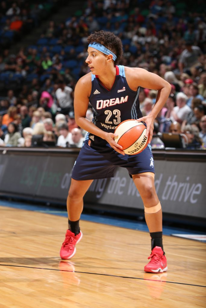 MINNEAPOLIS, MN - SEPTEMBER 17: Layshia Clarendon #23 of the Atlanta Dream handles the ball against the Minnesota Lynx on September 17, 2016 at Target Center in Minneapolis, Minnesota. NOTE TO USER: User expressly acknowledges and agrees that, by downloading and or using this Photograph, user is consenting to the terms and conditions of the Getty Images License Agreement. Mandatory Copyright Notice: Copyright 2016 NBAE (Photo by David Sherman/NBAE via Getty Images)