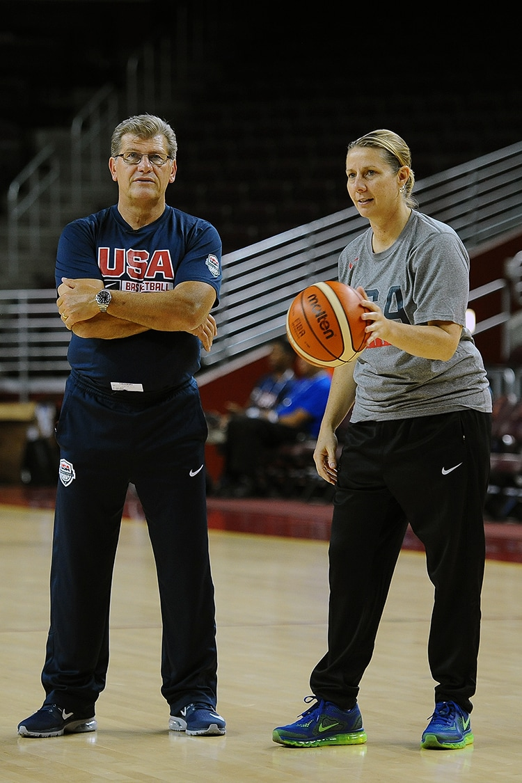 Geno Auriemma and Cheryl Reeve