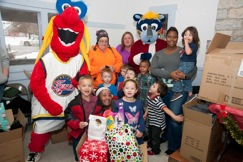 2016 Holiday Toy Giveaway: Muncie