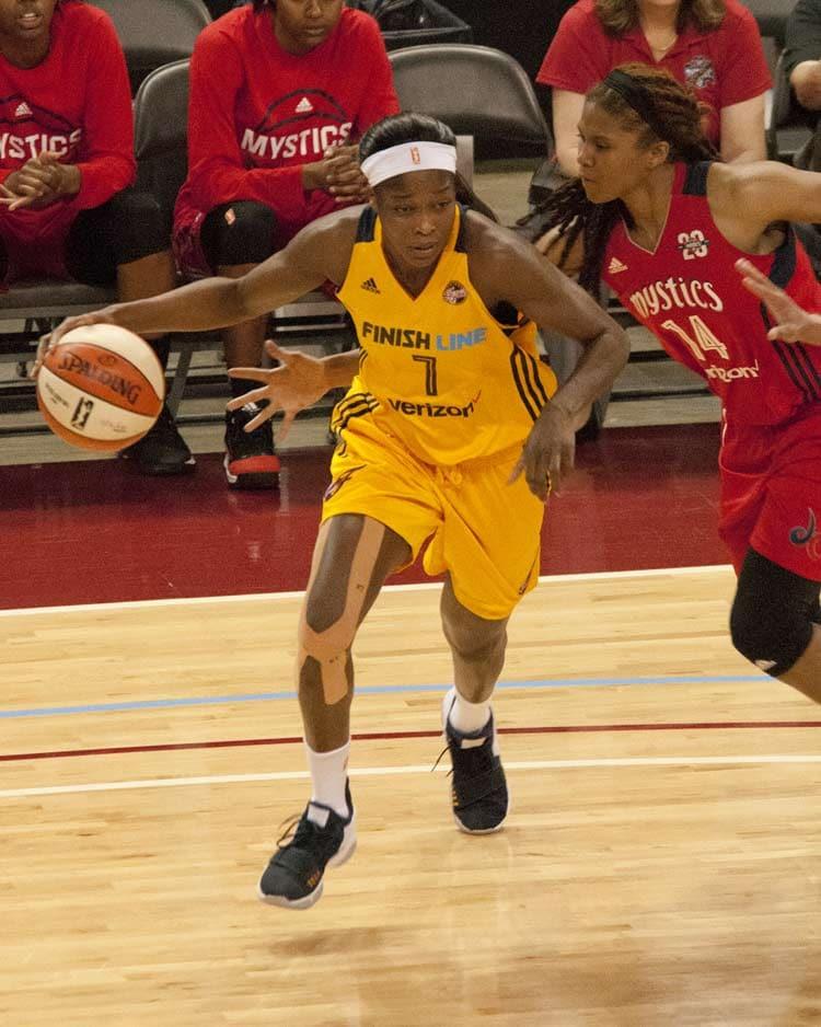 Bashaara Graves, Victoria Macaulay