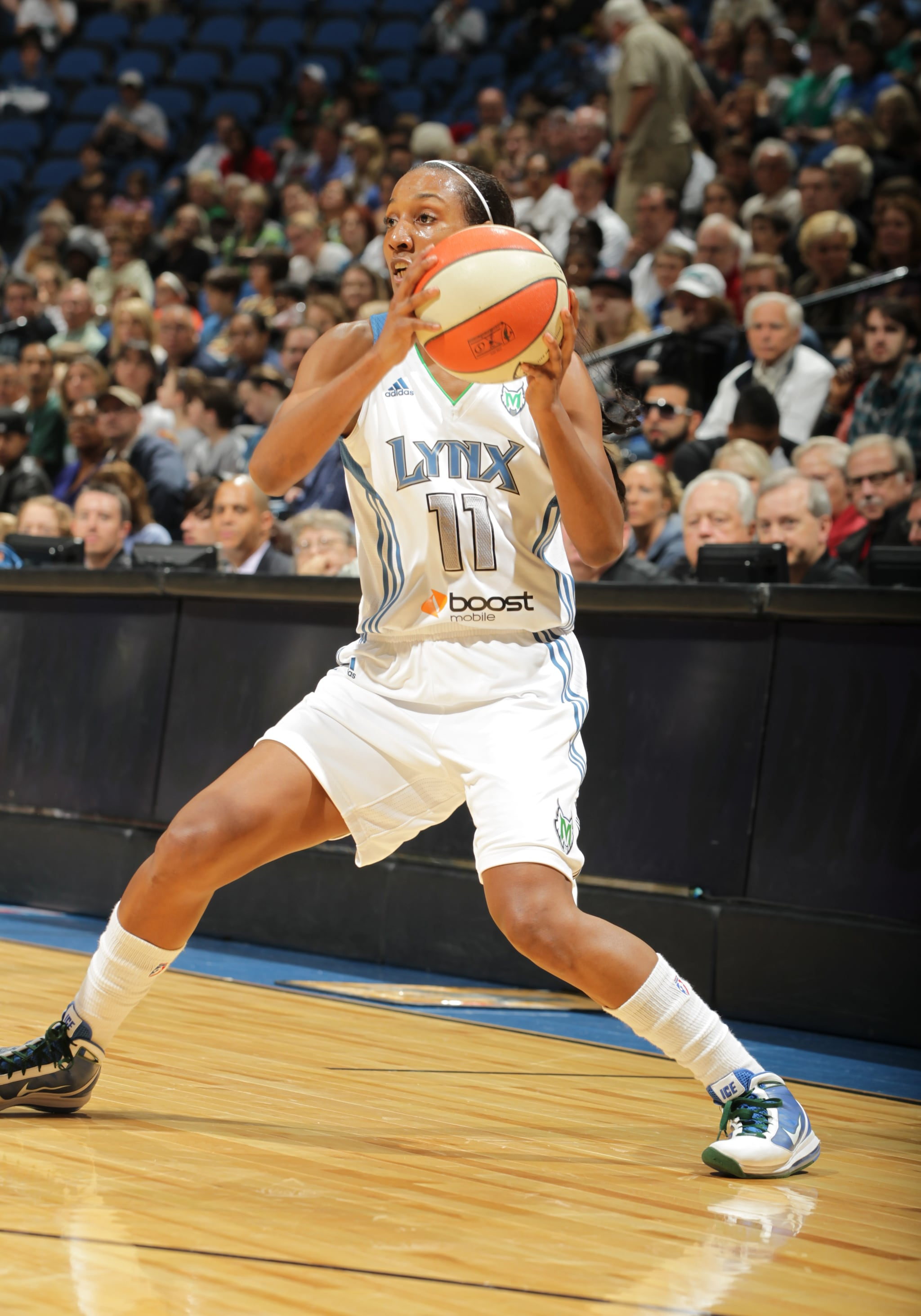 2012's Home-Opener: Lynx guard Candice Wiggins came off the bench to score 11 points, including going 3-of-5 from beyond the arc.