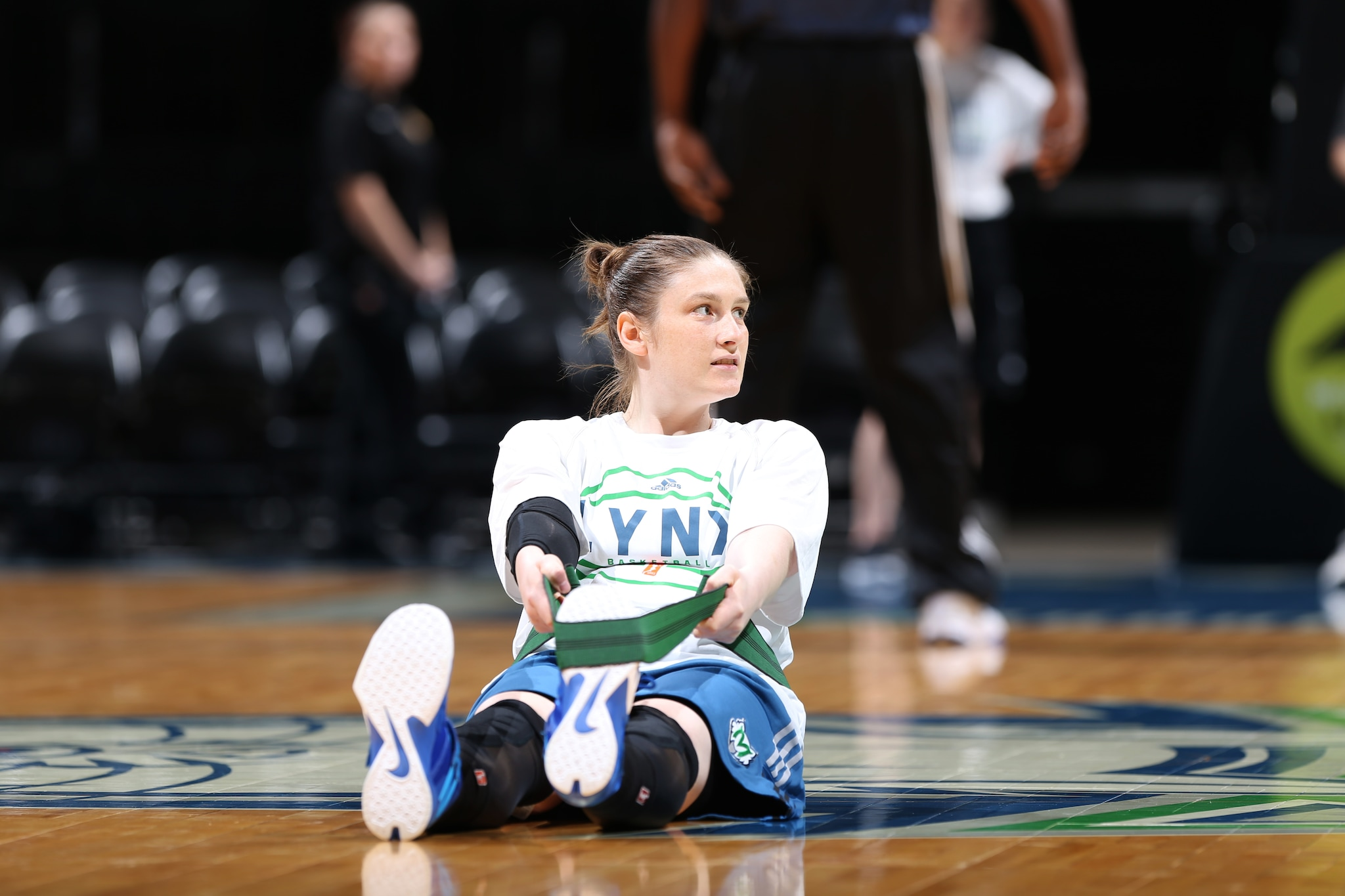 MINNEAPOLIS, MN - JUNE 1:  Lindsay Whalen #13 of the Minnesota Lynx warms up before the game against the New York Liberty on June 1, 2015 at Target Center in Minneapolis, Minnesota. NOTE TO USER: User expressly acknowledges and agrees that, by downloading and or using this Photograph, user is consenting to the terms and conditions of the Getty Images License Agreement. Mandatory Copyright Notice: Copyright 2015 NBAE (Photo by David Sherman/NBAE via Getty Images)
