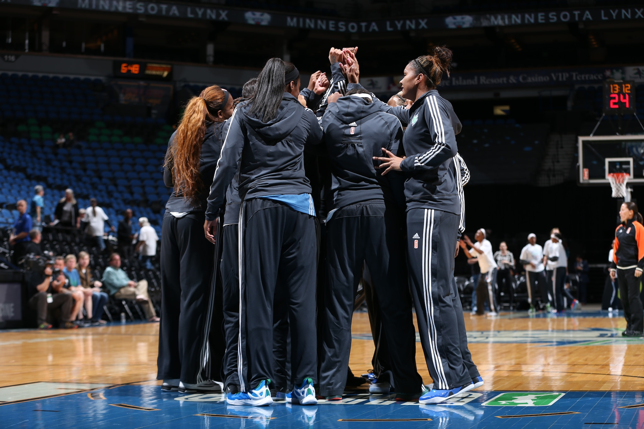 MINNEAPOLIS, MN - JUNE 1:  The Minnesota Lynx huddle before the WNBA Preseason game against the New York Liberty on June 1, 2015 at Target Center in Minneapolis, Minnesota. NOTE TO USER: User expressly acknowledges and agrees that, by downloading and or using this Photograph, user is consenting to the terms and conditions of the Getty Images License Agreement. Mandatory Copyright Notice: Copyright 2015 NBAE (Photo by David Sherman/NBAE via Getty Images)