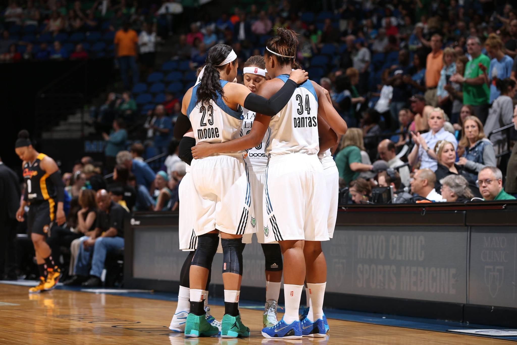 MINNEAPOLIS, MN - JUNE 5:  The Minnesota Lynx huddle before the game against the Tulsa Shock during the season opener of their WNBA game on June 5, 2015 at Target Center in Minneapolis, Minnesota. NOTE TO USER: User expressly acknowledges and agrees that, by downloading and or using this Photograph, user is consenting to the terms and conditions of the Getty Images License Agreement. Mandatory Copyright Notice: Copyright 2015 NBAE (Photo by David Sherman/NBAE via Getty Images)