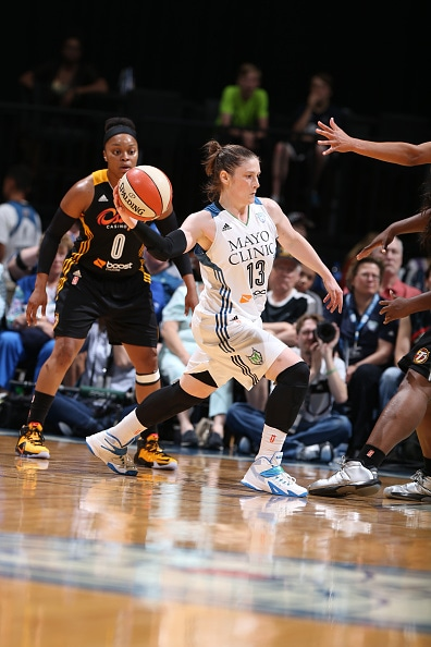 MINNEAPOLIS, MN - JUNE 5:  Lindsay Whalen #13 of the Minnesota Lynx passes the ball against the Tulsa Shock during the season opener of their WNBA game on June 5, 2015 at Target Center in Minneapolis, Minnesota. NOTE TO USER: User expressly acknowledges and agrees that, by downloading and or using this Photograph, user is consenting to the terms and conditions of the Getty Images License Agreement. Mandatory Copyright Notice: Copyright 2015 NBAE (Photo by David Sherman/NBAE via Getty Images)