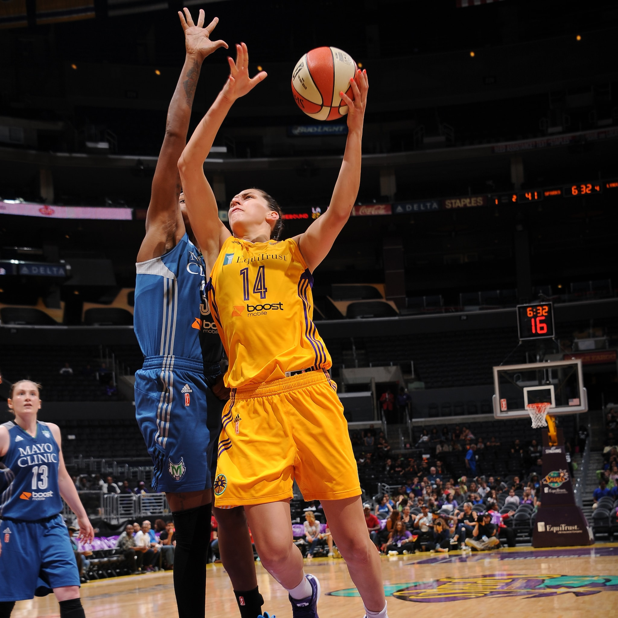 Sparks center Marianna Tolo played efficiently, scoring 10 points on 5-of-6 (83 percent) shooting.