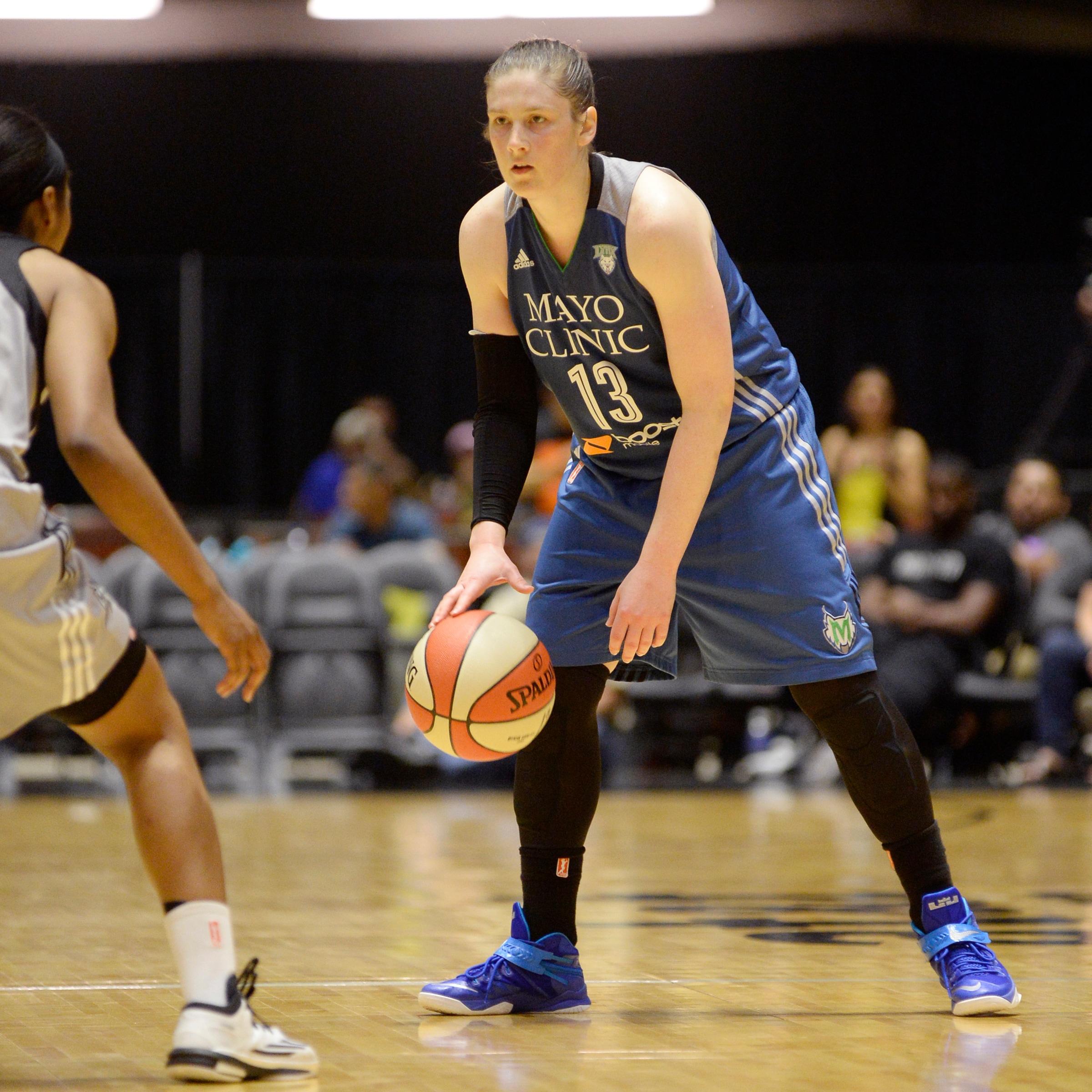 Lynx guard Lindsay Whalen runs the offense against the Stars last Friday night.