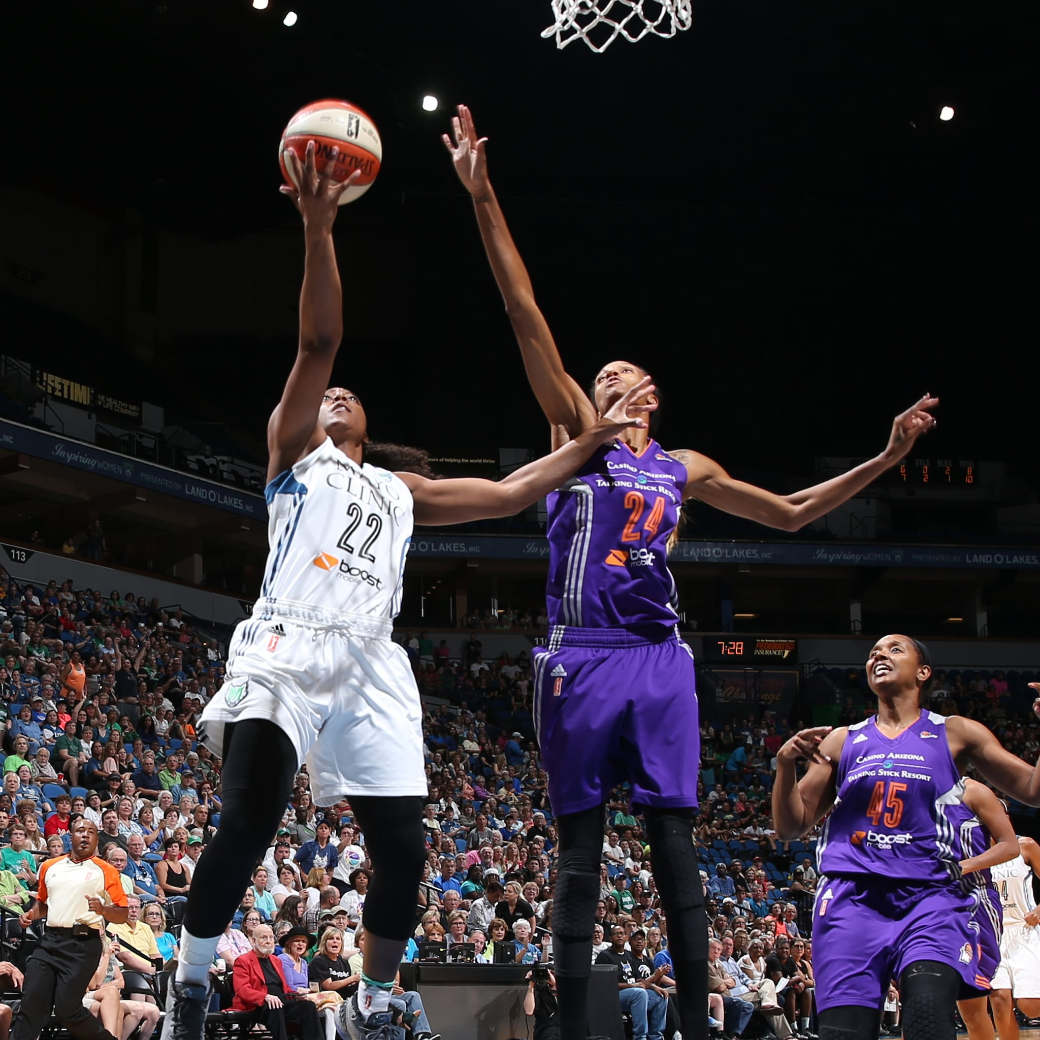 Lynx guard Monica Wright had a quiet game against the Mercury, scoring just two points, grabbing two rebounds and dishing two assists in just 16 minutes of playing time.