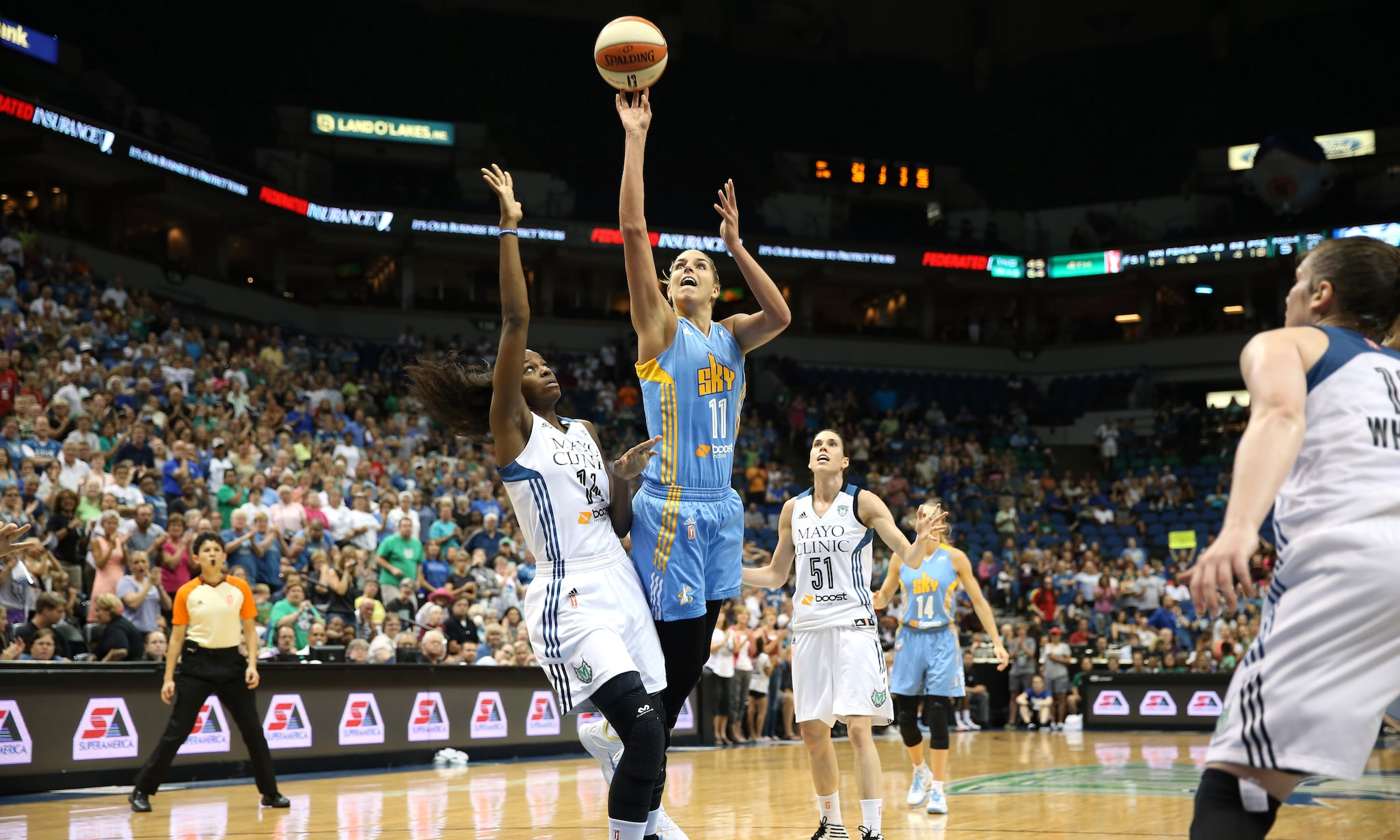 Sky forward Ella Delle Donne is the league's leading scorer, but was held in-check by an impressive defensive performance by Lynx forward Rebekkah Brunson. Delle Donne finished with just 14 points and nine rebounds.