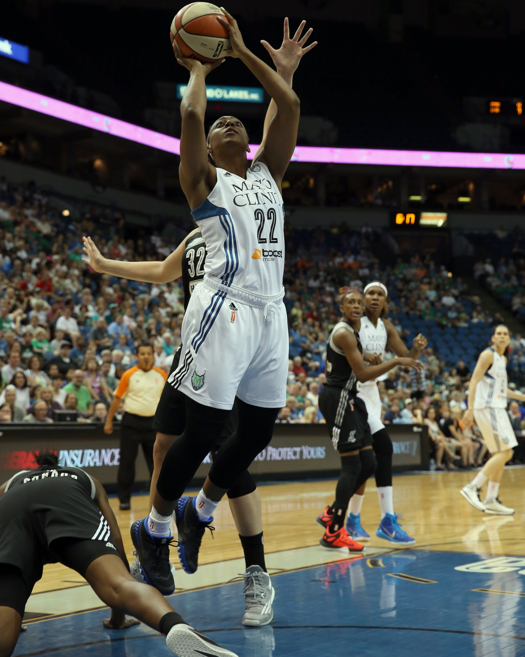 Lynx guard Monica Wright struggled against San Antonio going 0-of-4 from the floor in just over seven minutes of playing time.