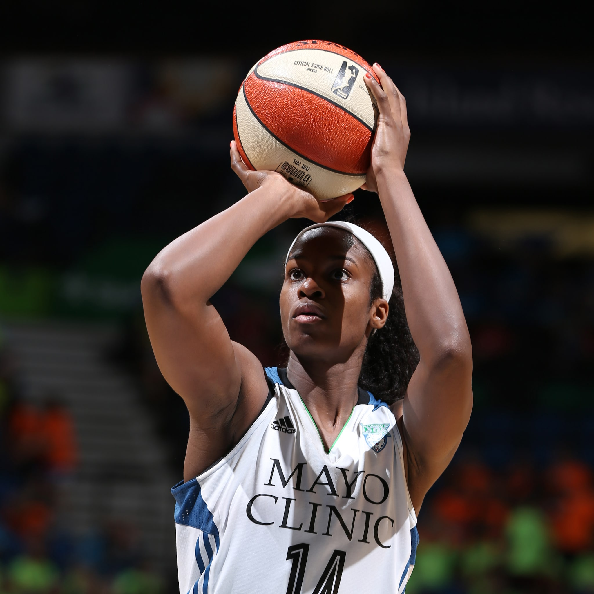 MINNEAPOLIS, MN - JULY 22: Devereaux Peters #14 of the Minnesota Lynx attempts a free throw against the Connecticut Sun on July 22, 2015 at Target Center in Minneapolis, Minnesota. NOTE TO USER: User expressly acknowledges and agrees that, by downloading and or using this Photograph, user is consenting to the terms and conditions of the Getty Images License Agreement. Mandatory Copyright Notice: Copyright 2015 NBAE (Photo by David Sherman/NBAE via Getty Images)
