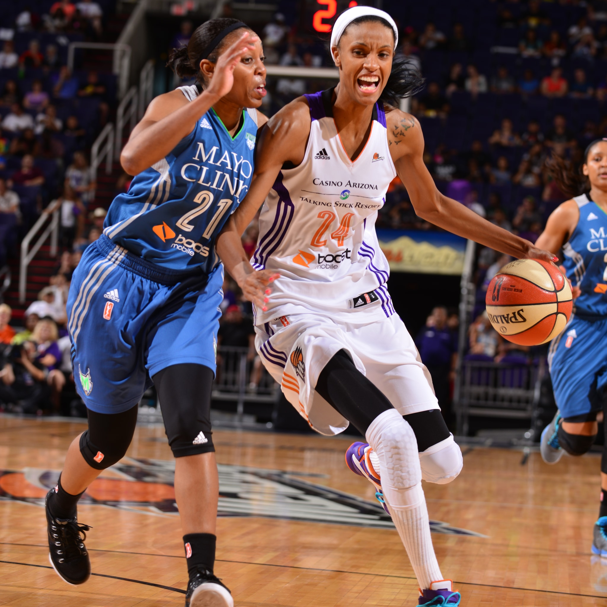 Mercury forward DeWanna Bonner, despite her recent struggles, returned to superstar form on Sunday night, dropping a game-high 21 points to go with four rebounds and three blocked shots.