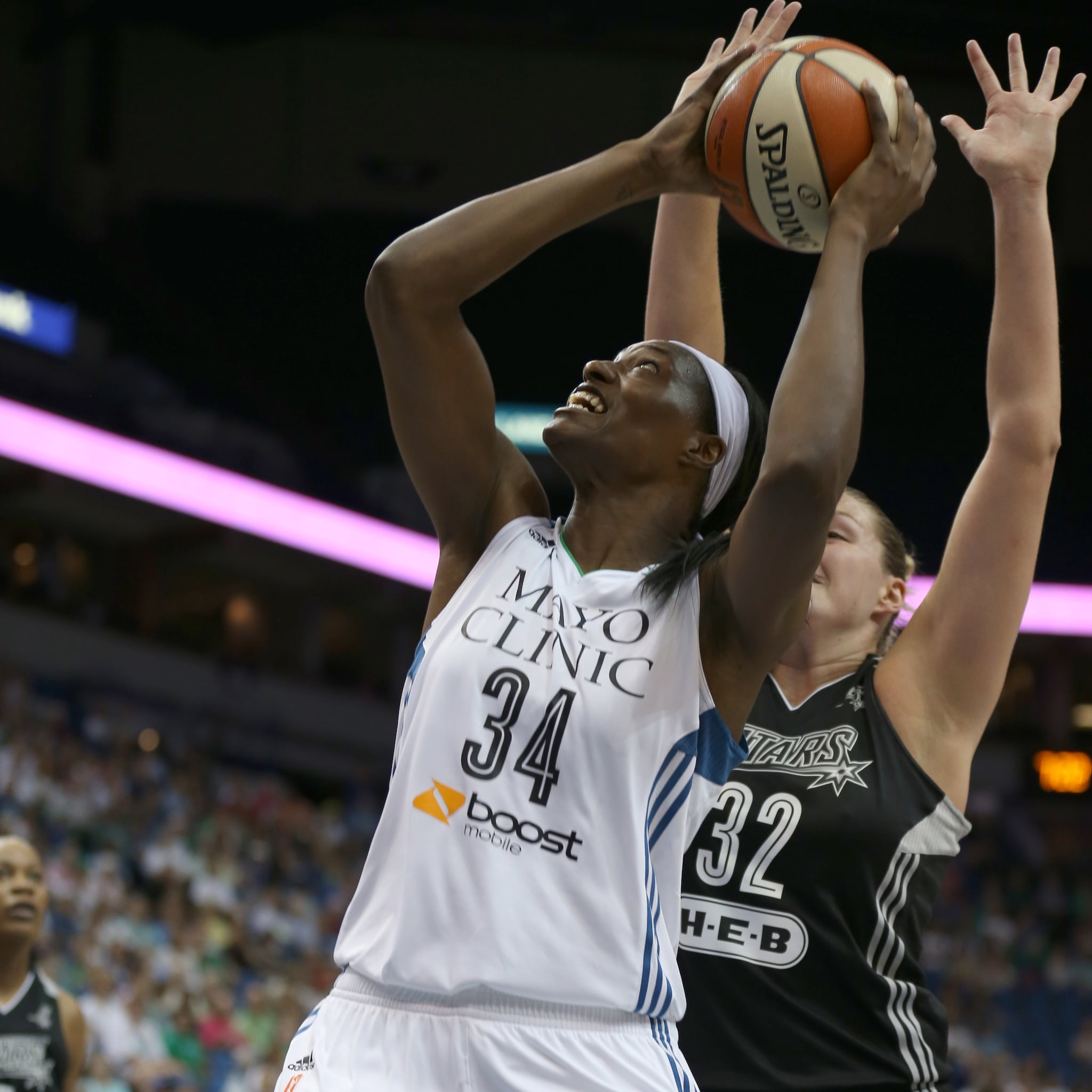 Lynx center Sylvia Fowles played great late once again, helping fuel the Lynx to a win and a playoff berth. Fowles finished with 16 points and four rebounds, including seven points in the third quarter.