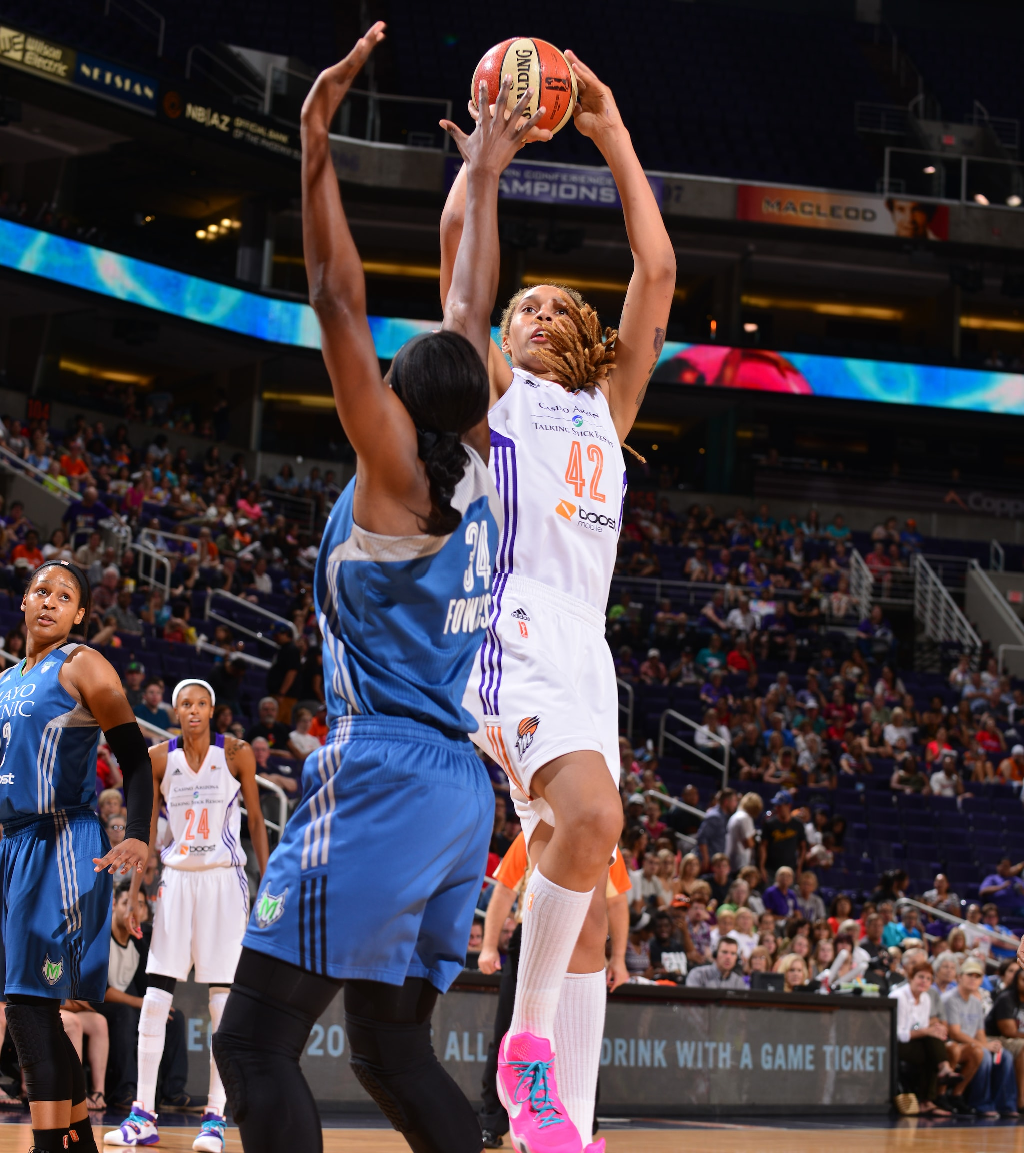 Mercury center Brittney Griner notched a double-double on Sunday night, helping to lead Phoenix to a 79-67 victory over the Lynx. Griner finished with 10 points, 11 rebounds and a game-high six blocked shots.