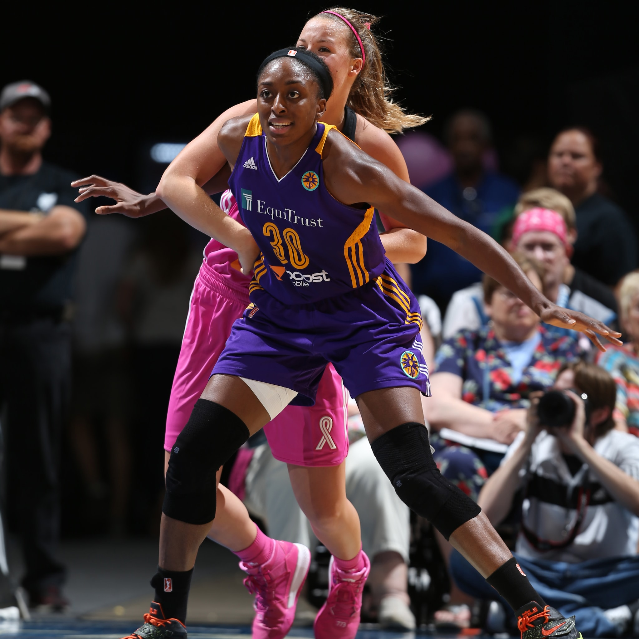Sparks forward Nneka Ogwumike did her best to lead the Los Angeles to a win, but fell just short. Ogwumike had a team-high 18 points to go with her five rebounds.