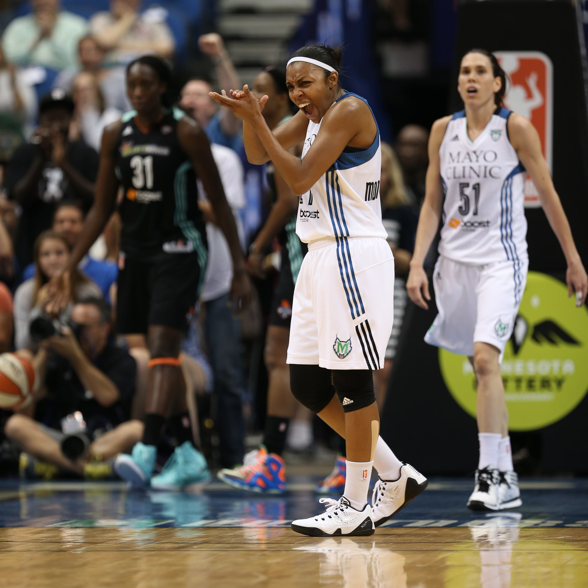 Making just her third start for the Lynx this season, guard Renee Montgomery played well on Sunday night, finishing with 14 points, seven assists and two steals.