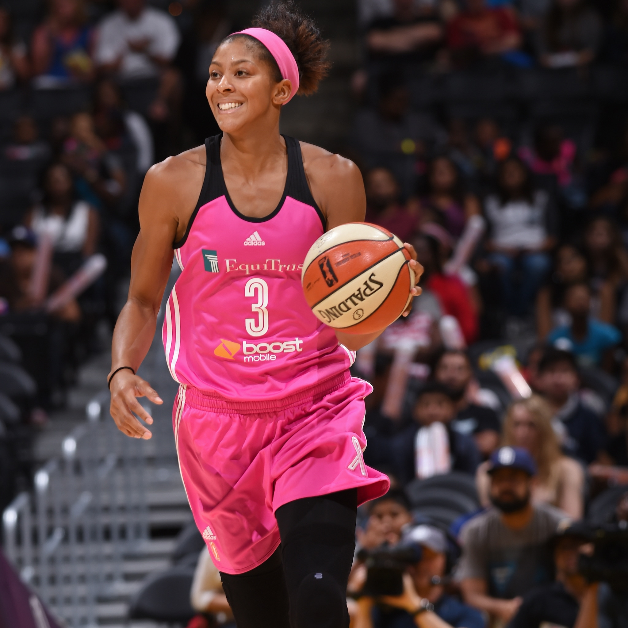 Forward Candace Parker was absolutely dominant at home that night, leading all scorers with 18 points while adding  13 rebounds, five assists, four steals and two blocked shots.