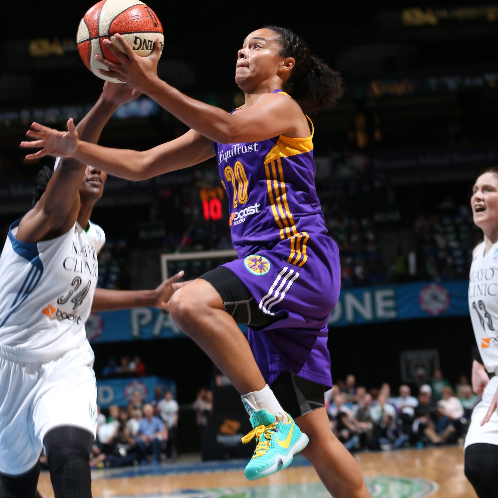 MINNEAPOLIS, MN - SEPTEMBER 18:  Kristi Toliver #20 of the Los Angeles Sparks drives to the basket against the Minnesota Lynx during Game 1 of the 2015 WNBA Western Conference Semifinal on September 18, 2015 at Target Center in Minneapolis, Minnesota.  NOTE TO USER: User expressly acknowledges and agrees that, by downloading and or using this Photograph, user is consenting to the terms and conditions of the Getty Images License Agreement. Mandatory Copyright Notice: Copyright 2015 NBAE (Photo by David Sherman/NBAE via Getty Images)