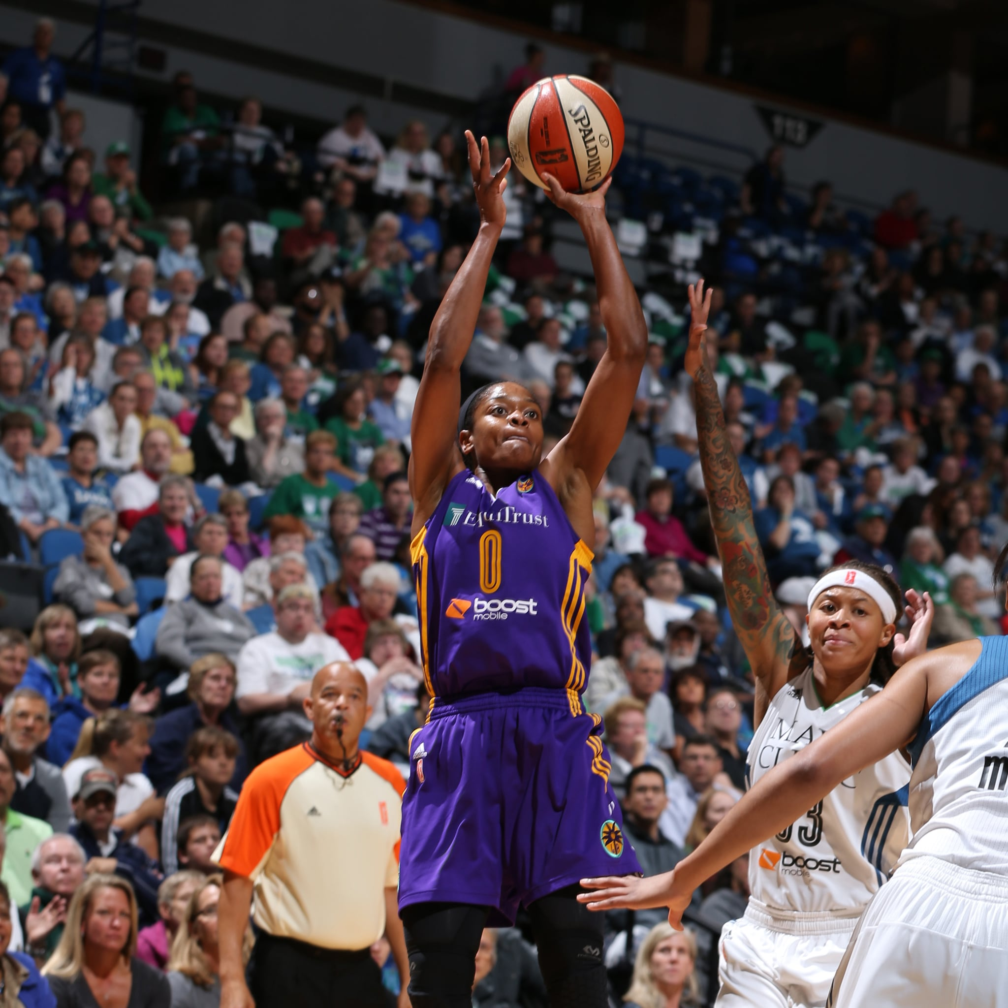 MINNEAPOLIS, MN - SEPTEMBER 18:  Alana Beard #0 of the Los Angeles Sparks shoots the ball against the Minnesota Lynx during Game 1 of the 2015 WNBA Western Conference Semifinal on September 18, 2015 at Target Center in Minneapolis, Minnesota.  NOTE TO USER: User expressly acknowledges and agrees that, by downloading and or using this Photograph, user is consenting to the terms and conditions of the Getty Images License Agreement. Mandatory Copyright Notice: Copyright 2015 NBAE (Photo by David Sherman/NBAE via Getty Images)