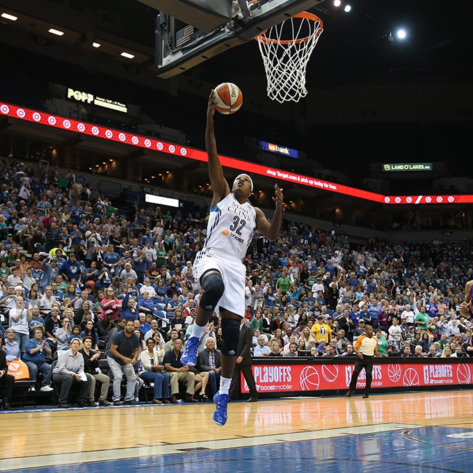 MINNEAPOLIS, MN - SEPTEMBER 22:  Rebekkah Brunson #32 of the Minnesota Lynx drives to the basket against the Los Angeles Sparks during Game 3 of the 2015 WNBA Western Conference Semifinal on September 22, 2015 at Target Center in Minneapolis, Minnesota.  NOTE TO USER: User expressly acknowledges and agrees that, by downloading and or using this Photograph, user is consenting to the terms and conditions of the Getty Images License Agreement. Mandatory Copyright Notice: Copyright 2015 NBAE (Photo by Jordan Johnson/NBAE via Getty Images)