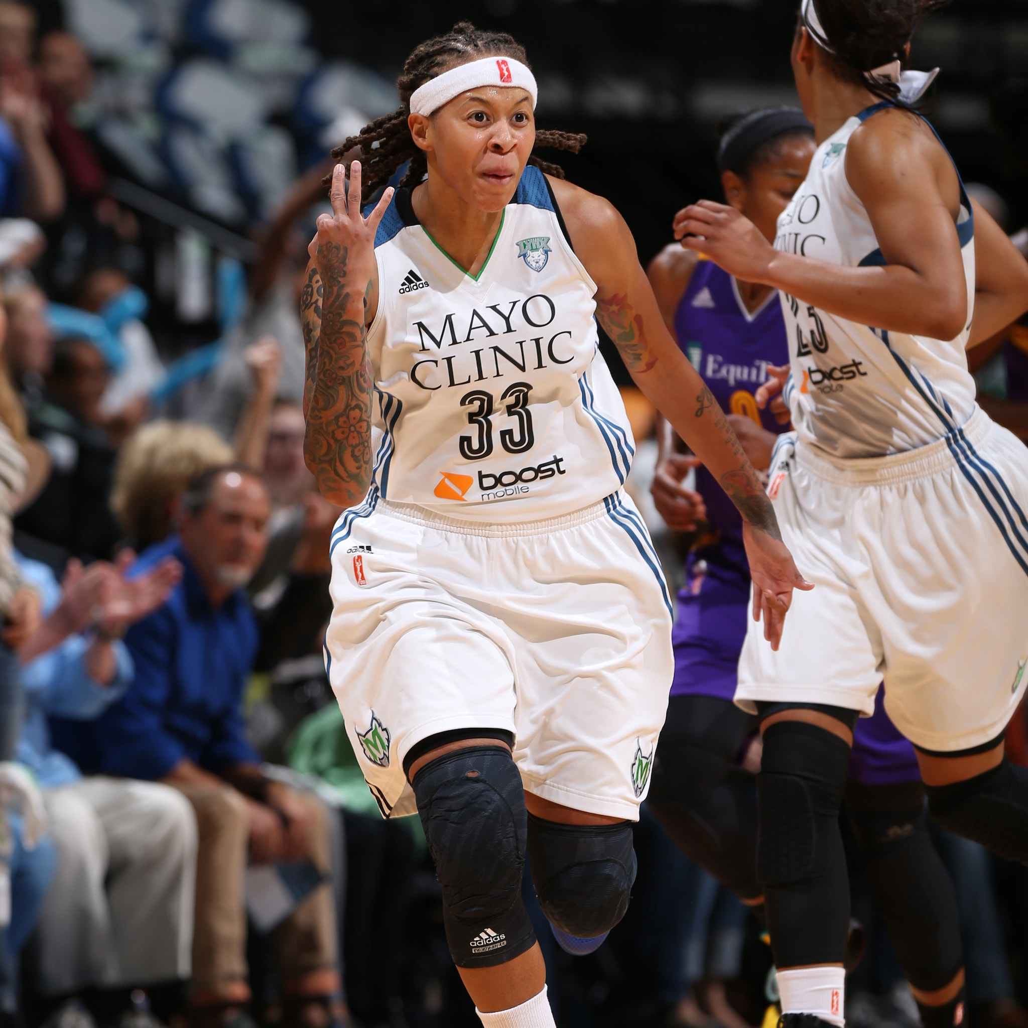 MINNEAPOLIS, MN - SEPTEMBER 18:  Seimone Augustus #33 of the Minnesota Lynx hits a three pointer during the game against the Los Angeles Sparks in Game 1 of the 2015 WNBA Western Conference Semifinal on September 18, 2015 at Target Center in Minneapolis, Minnesota.  NOTE TO USER: User expressly acknowledges and agrees that, by downloading and or using this Photograph, user is consenting to the terms and conditions of the Getty Images License Agreement. Mandatory Copyright Notice: Copyright 2015 NBAE (Photo by David Sherman/NBAE via Getty Images)