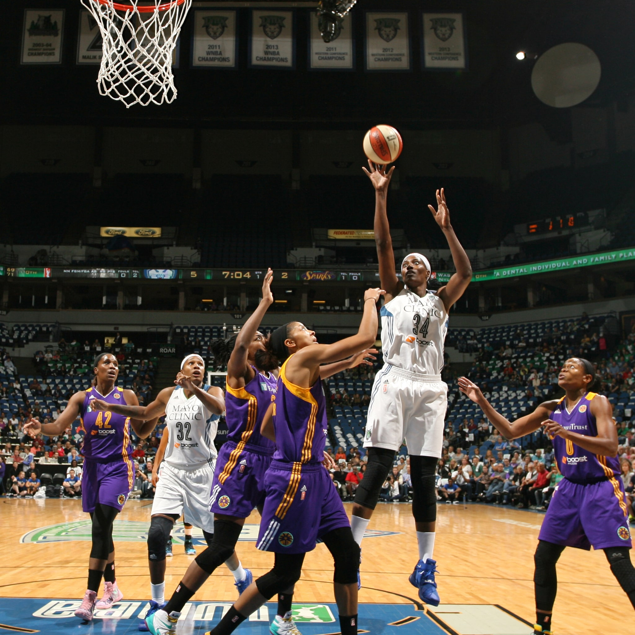 MINNEAPOLIS, MN - SEPTEMBER 18:  Sylvia Fowles #34 of the Minnesota Lynx shoots the ball against the Los Angeles Sparks during Game 1 of the 2015 WNBA Western Conference Semifinal on September 18, 2015 at Target Center in Minneapolis, Minnesota.  NOTE TO USER: User expressly acknowledges and agrees that, by downloading and or using this Photograph, user is consenting to the terms and conditions of the Getty Images License Agreement. Mandatory Copyright Notice: Copyright 2015 NBAE (Photo by David Sherman/NBAE via Getty Images)