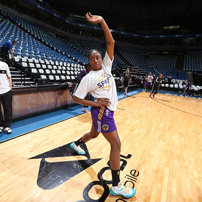 MINNEAPOLIS, MN - SEPTEMBER 22:  Nneka Ogwumike #30 of the Los Angeles Sparks stretches before the game against the Minnesota Lynx in Game 3 of the 2015 WNBA Western Conference Semifinal on September 22, 2015 at Target Center in Minneapolis, Minnesota.  NOTE TO USER: User expressly acknowledges and agrees that, by downloading and or using this Photograph, user is consenting to the terms and conditions of the Getty Images License Agreement. Mandatory Copyright Notice: Copyright 2015 NBAE (Photo by David Sherman/NBAE via Getty Images)