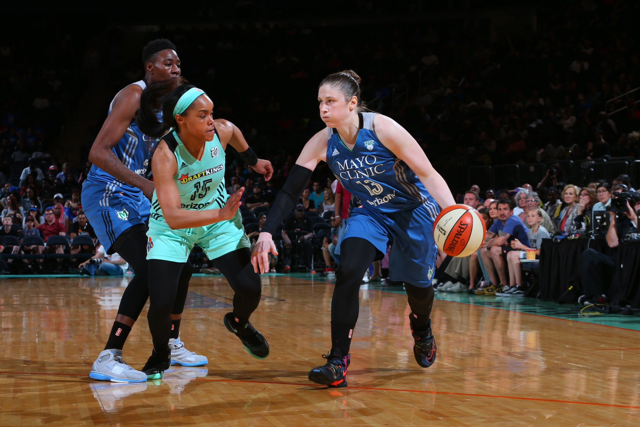 NEW YORK, NY - MAY 31: Lindsay Whalen #13 of the Minnesota Lynx drives to the basket against the New York Liberty during the game on May 31, 2016 at Madison Square Garden in New York, New York. NOTE TO USER: User expressly acknowledges and agrees that, by downloading and or using this Photograph, user is consenting to the terms and conditions of the Getty Images License Agreement. Mandatory Copyright Notice: Copyright 2016 NBAE (Photo by Mike Stobe/NBAE via Getty Images)