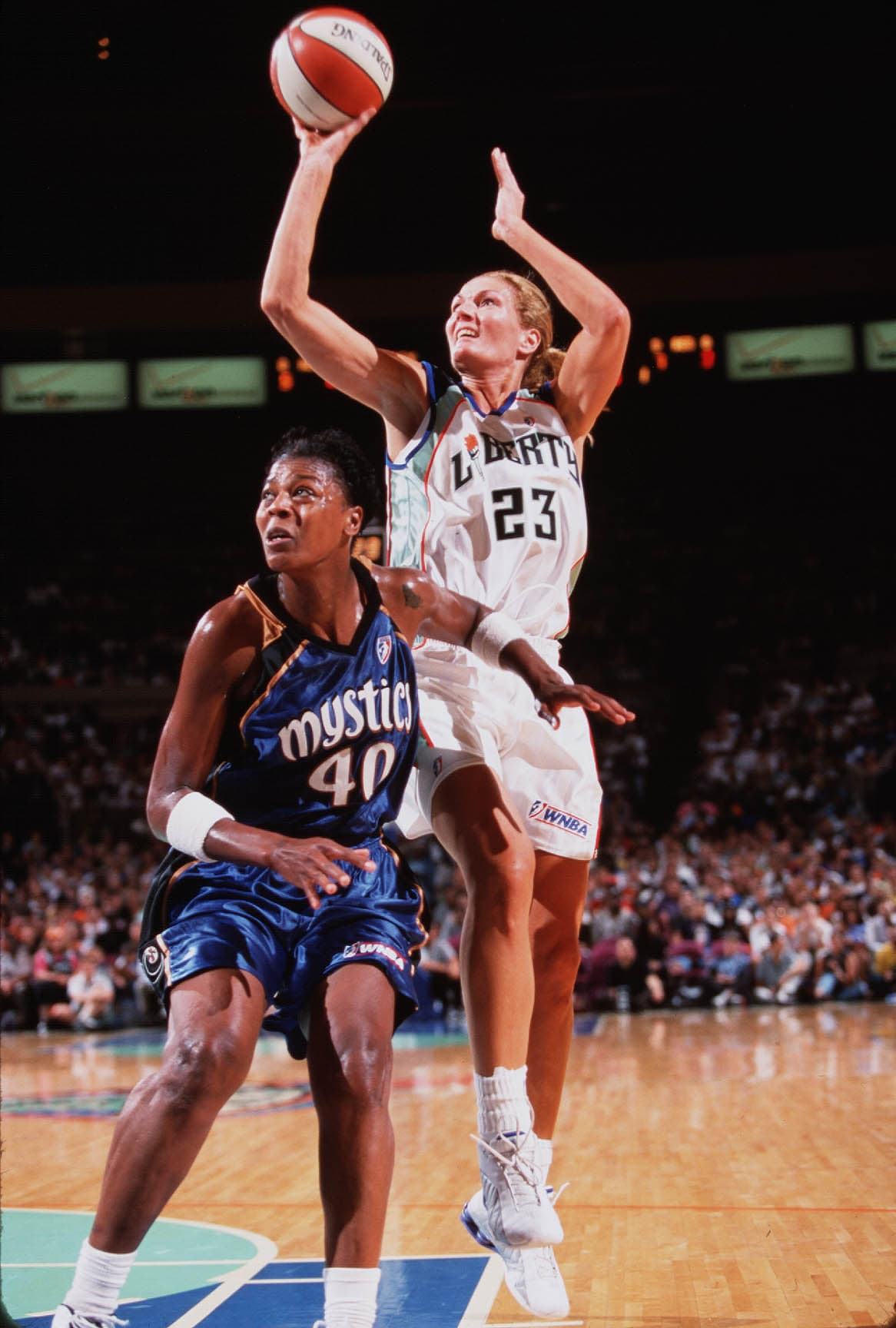 08/02 NY Liberty v. Washington Mystics Madison Square Garden NY Liberty's Sue Wicks