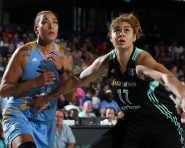 CHICAGO, IL - SEPTEMBER 16:  Amanda Zahui B. #17 of the New York Liberty fights for position against Erika de Souza #41 of the Chicago Sky on September 16, 2016 at Allstate Arena in Chicago, Illinois. NOTE TO USER: User expressly acknowledges and agrees that, by downloading and or using this Photograph, user is consenting to the terms and conditions of the Getty Images License Agreement. Mandatory Copyright Notice: Copyright 2016 NBAE (Photo by Gary Dineen/NBAE via Getty Images)