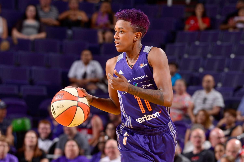 Danielle Robinson leads the offense