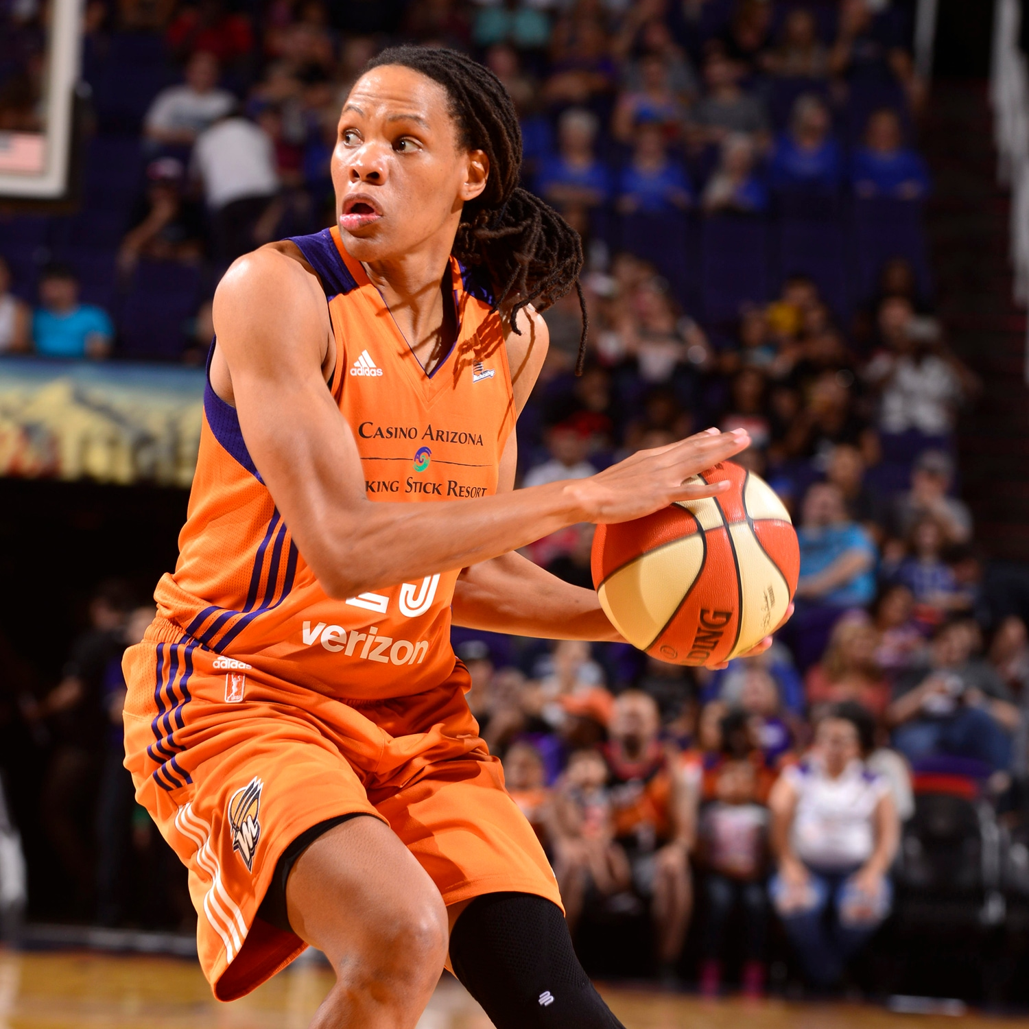 Monique Currie scans the court as San Antonio Stars v Phoenix Mercury