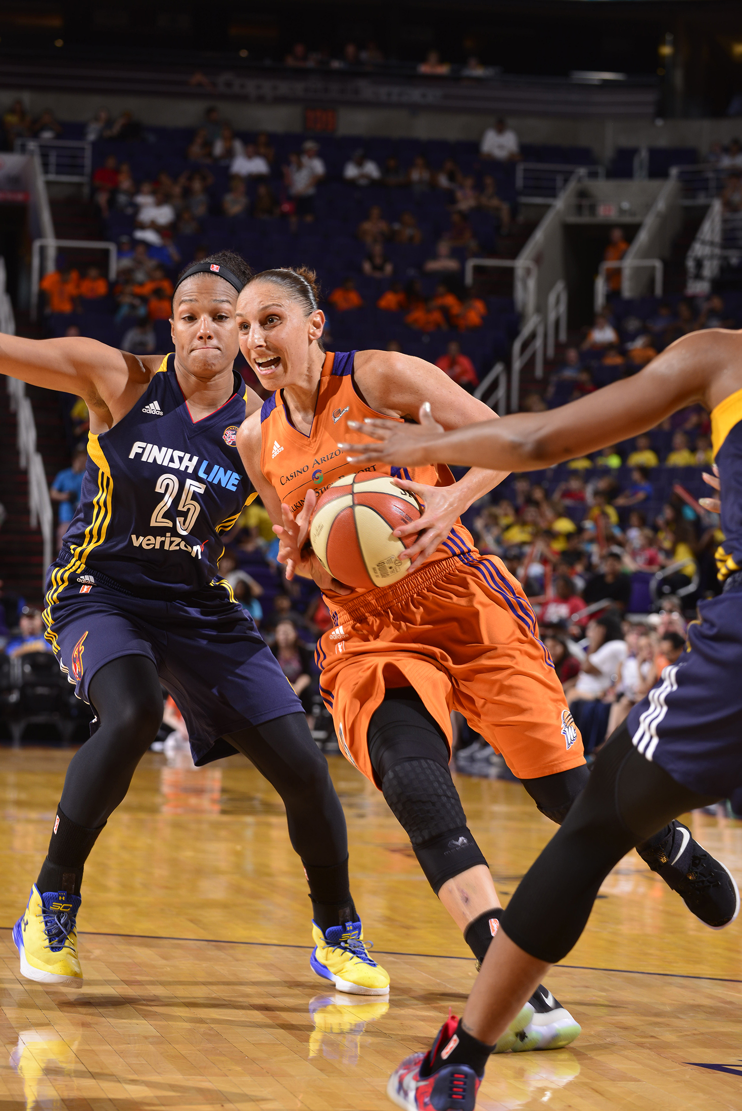 diana taurasi drives against indiana fever