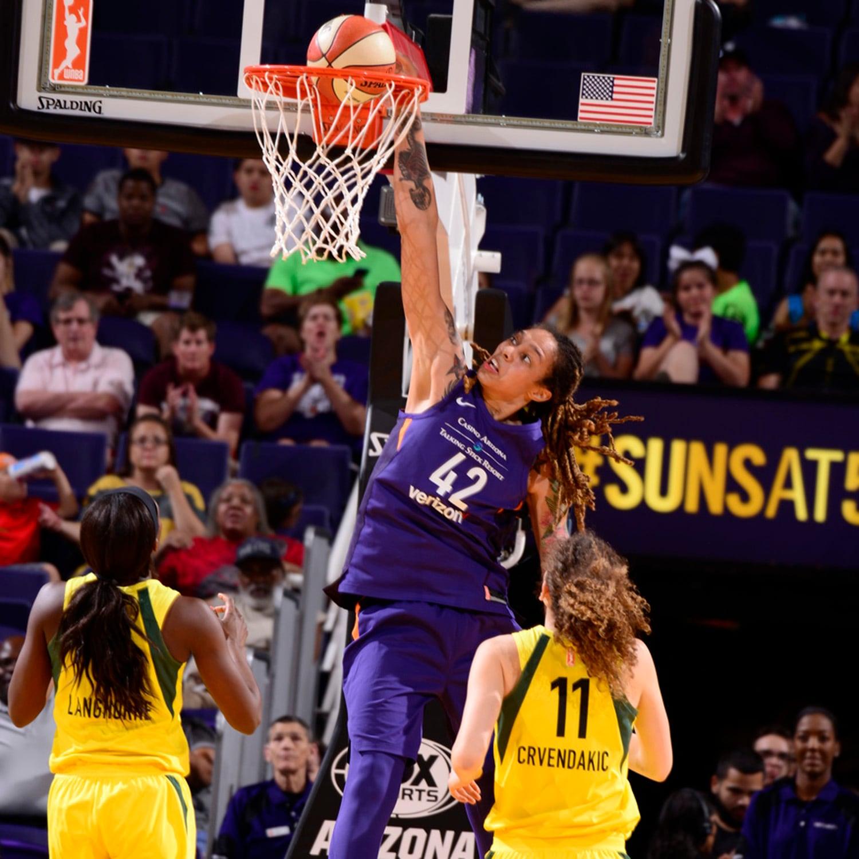 Brittney Griner slam dunk