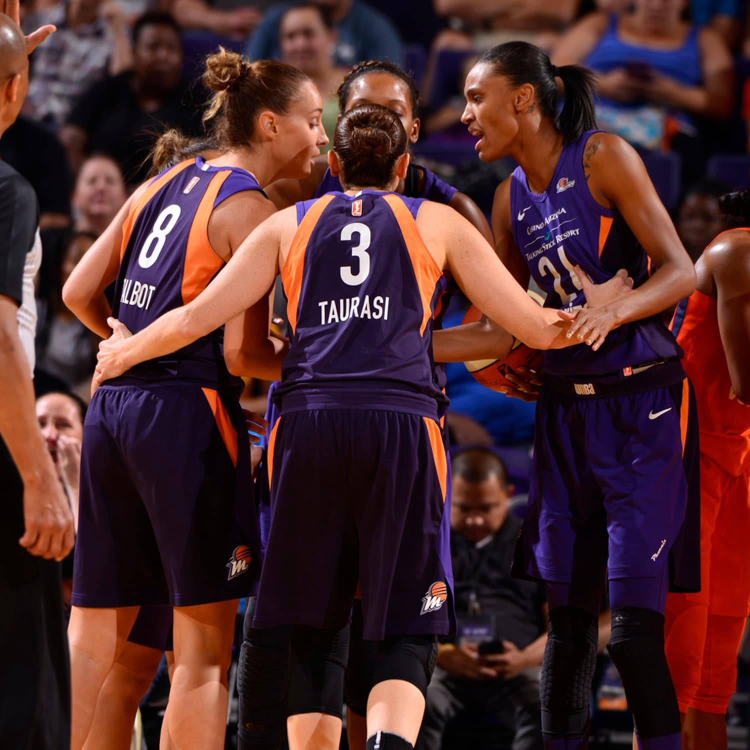 Diana Taurasi leads her team