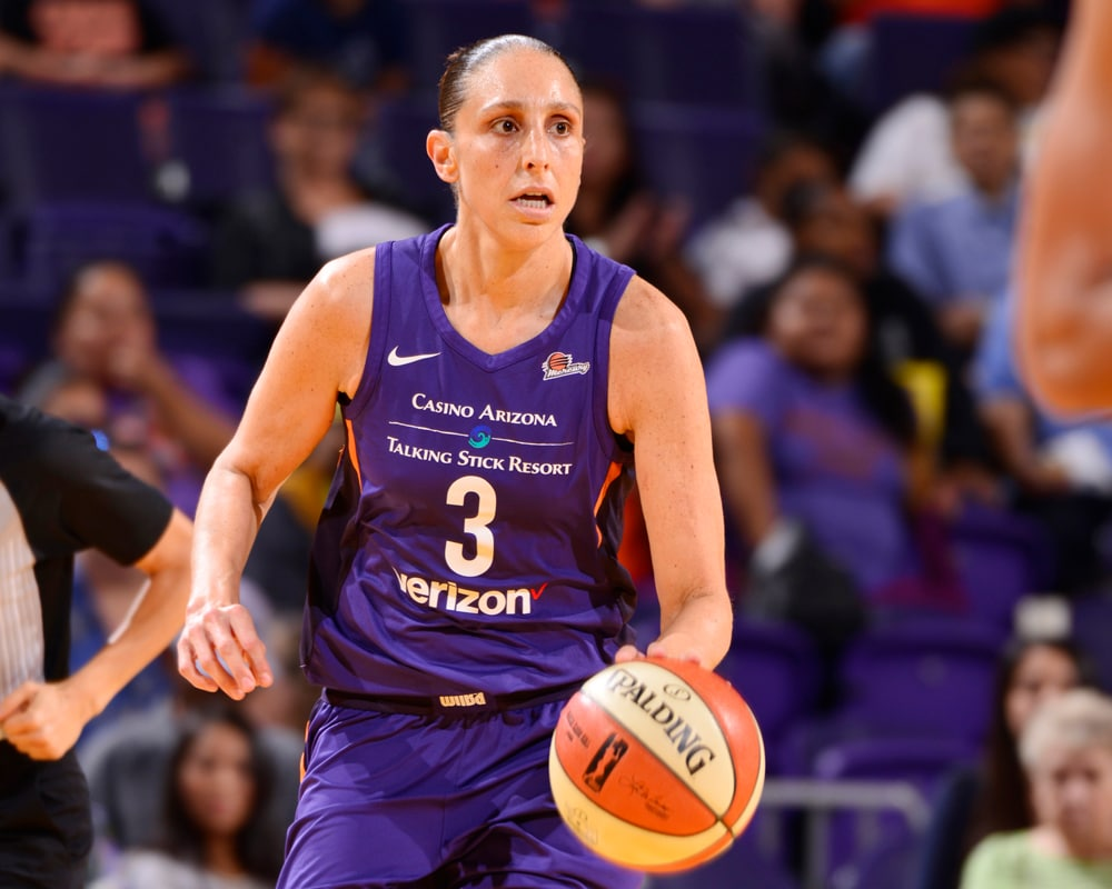 Diana Taurasi runs the offense